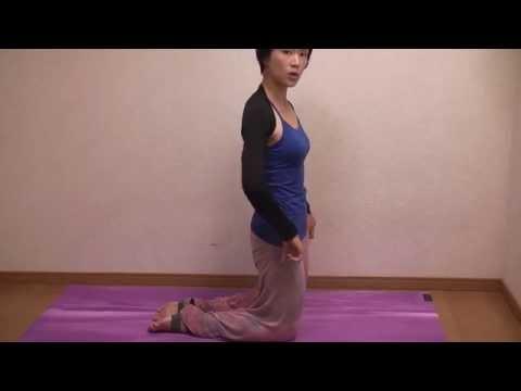 反り腰改善ヨガポーズ① らくだのポーズ ウシュトラアーサナ やり方 押さえるポイント コツ yoga ustrasana