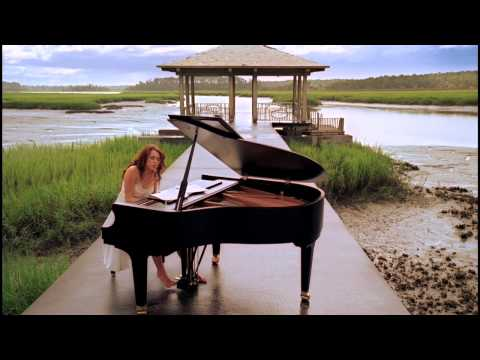 Baixar Miley Cyrus - When I Look At You Official Music Video