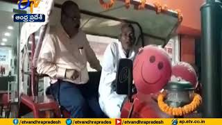 Anand Mahindra gifts tractor to Bihar man who carved out 3..