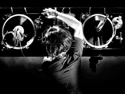 Onur Ergin ft.Özgün - Sadece Arkadasiz Remix