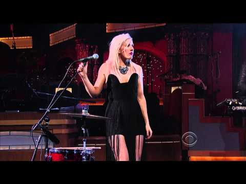 Baixar Ellie Goulding - Lights (Live on Letterman 01-18-2012) [HD 1080p]