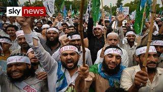 Thousands vent anger over Kashmir at Pakistan protest
