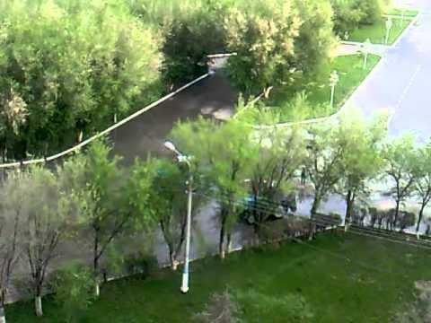 Как в Атырау убирают после дождя 16.05.2011