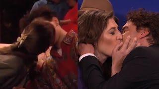 'Big Bang Theory' Stars Mayim Bialik and Johnny Galecki Recreate Their 'Blossom' Kiss