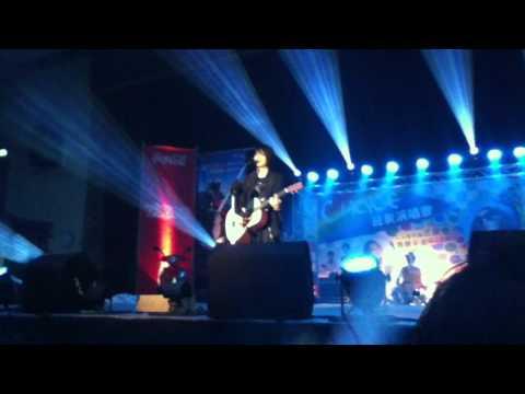 2011-10-05 逢甲大學迎新演唱會 Tank - 我們小時候
