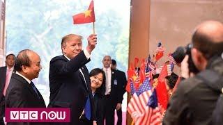 Hành động không ngờ của Tổng thống Mỹ Donald Trump   Kim - Trump Summit