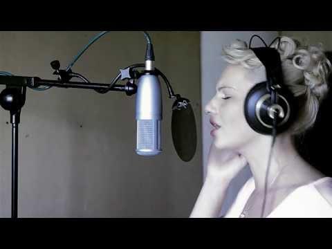 Baixar Elena Pop-Kostova - Rihanna - Russian Roulette (HD Cover)