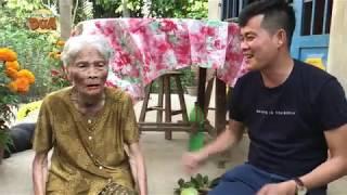 """Khương Dừa năn nỉ ngoại trả lại cái youtube, cười xỉu với sự """"ngây ngô"""" của bà ngoại!!!"""