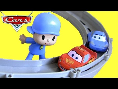 Pocoyo & Pixar Cars Race and Chase McQueen Sally Carrera Track Motorized Cars Juguete de Coches