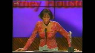 Whitney Houston receives The 2000 Artist Of The Decade Award Female