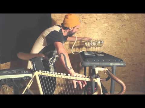 Roberto 'Got Talent' Show música con bicicleta