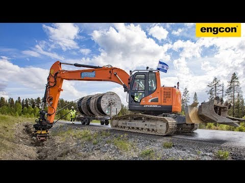 Cable Ploughing with Doosan DX235 & engcon Tiltrotator