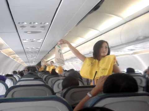 Sposób na zwrócenie uwagi w samolocie
