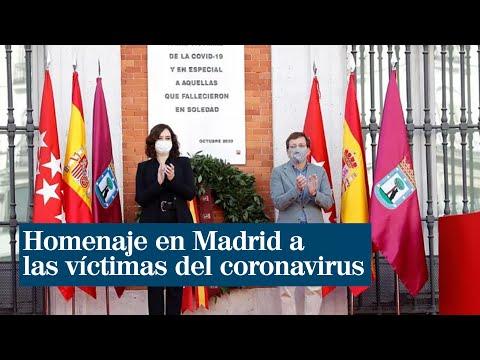 Una placa recuerda en la Puerta del Sol a las víctimas de la Covid-19