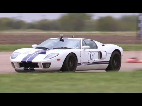 1100hp Ford GT vs 1000hp Viper