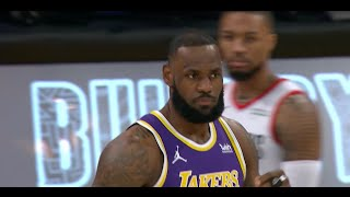 Lakers Bench Tells LeBron James His Hair Is Messed Up