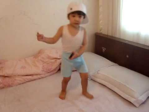 【SHINee Hello Baby Yoogeun】〖100604〗dancing to Ring Ding Dong Part 1