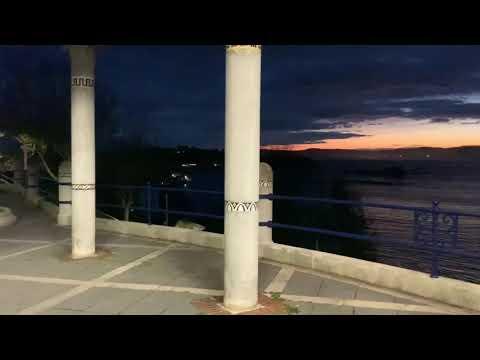 Ver amanecer junto a la playa de los Peligros