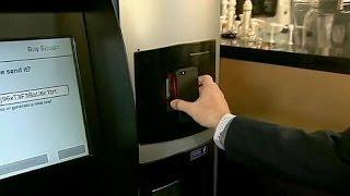 В Канаде заработал первый в мире банкомат биткойнов