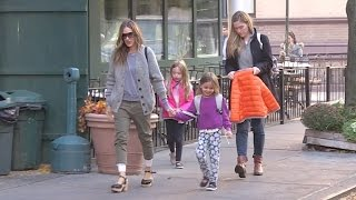EXCLUSIVE - Sarah Jessica Parker and kids on their way to school