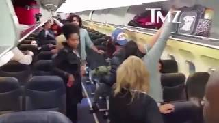 CASH ME OUTSIDE HOW BOW DAH GIRL GETS INTO FIGHT ON AIRPLANE! PUNCHES PASSENGER IN FACE!! FULL VIDEO
