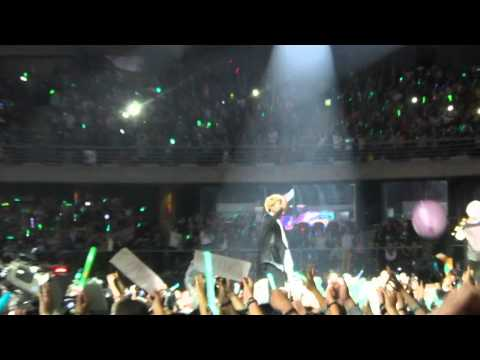 [FANCAM] 140406 SWCIII In Santiago, Chile - Colorful - Smashpipe Music