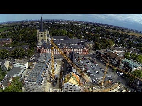 Richtfest Gold- Kraemer- Stiftung in Brauweiler und zwei Künstler