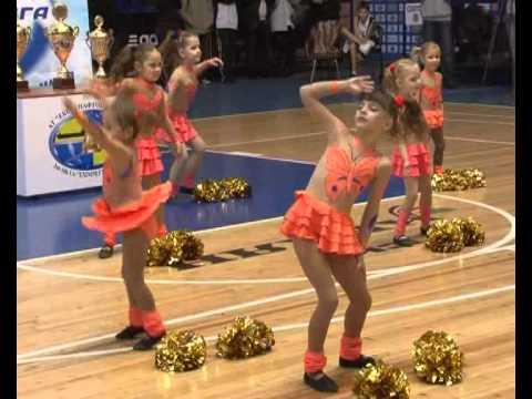 Барби-герлз на детской баскетбольной лиге