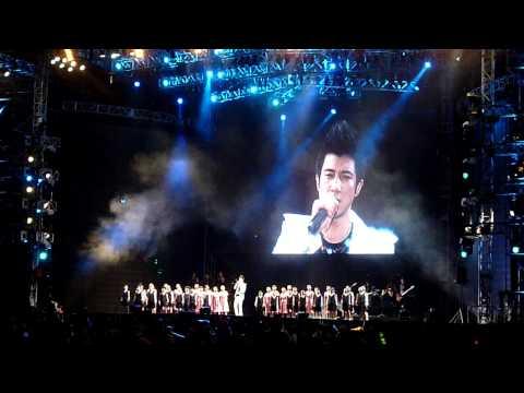 王力宏 - 爱因为在心中(2012 火力全开 Music Man II 马来西亚 演唱会)