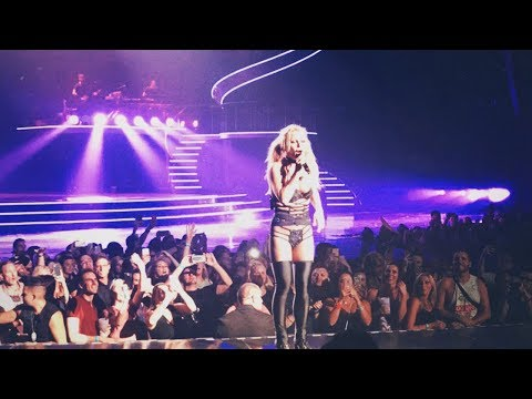 Britney Spears - Something To Talk About (Live in Vegas)