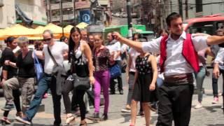 Flashmob #Zorba Griego en #Valparaíso con Fundación Mustakis