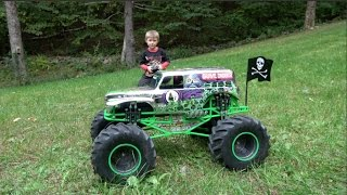 MONSTER JAM GRAVE DIGGER CHROME RC TRUCK - EXTREME TEST DRIVE