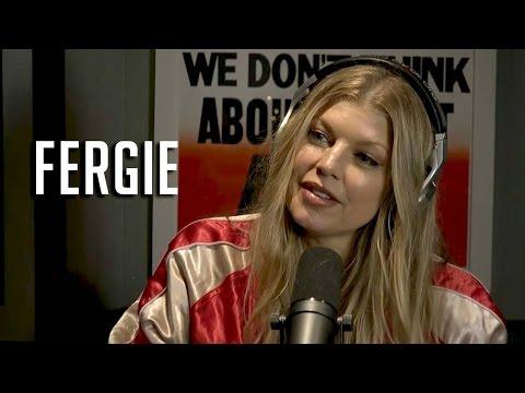 Baixar Fergie talks Iggy Azalea + peeing on stage!