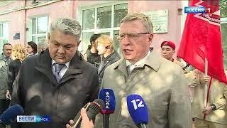 В Омске открыли мемориальную доску ветерану Великой Отечественной войны, писателю и журналисту Кемелю Токаеву