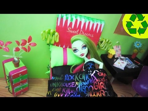 How to make a bed inspired by Monster High Venus Mcflytrap