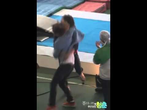 100505 SHINee (2MIN) Minho & Taemin hug - [Dream Team Recording]