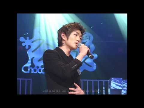 [Full Fancam] Onew focus feat Luna f(x) singing beauty and the beast