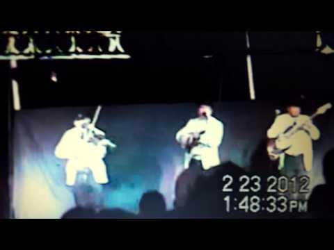 Trio Giro Hidalguense en el Baile de Feria   Potrero Cardonal  2012 .