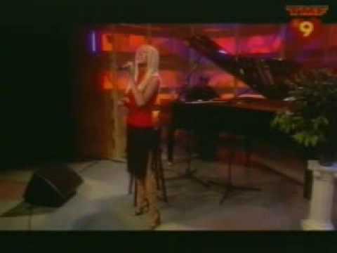 Christina Aguilera - Reflection (Live at TMF).wmv