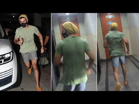 Actor Vijay Devarakonda spotted outside gym