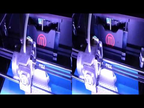 Makerbot 3D Printer in Action in 3D (YT3D:Enable=True)