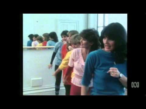 THE NOLANS - DragonFly (1982)