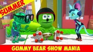Summer Fun with Gummibär - Roller Skating - Gummy Bear Show MANIA
