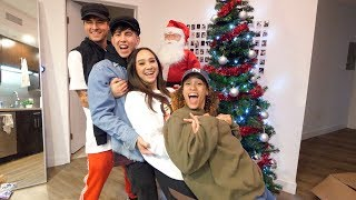 DECORATING CHRISTMAS TREE WITH BEST FRIENDS!! (HILARIOUS)