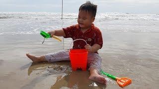 Đồ Chơi Trẻ Em Bé Pin Đi Biển Mua Đồ Chơi❤ PinPin TV ❤
