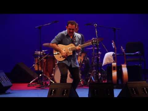 Raúl Rodríguez - Raúl Rodríguez : La Raíz Eléctrica live (afro-flamenco-eléctrico)