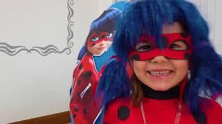 Дети не делятся игрушками в огромных яйцах ЛедиБаг и Черепашки Ниндзя
