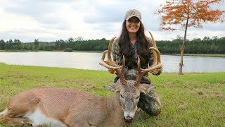Her First Bow Hunt!! (Bama Buck)