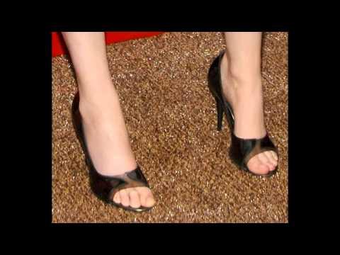 Emily deschanel naked feet similar