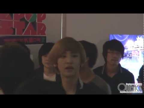 120810 SM ART EXHIBITION everysing 갔다가 굿즈 구경하는 EXO 1080p